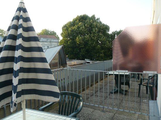 Hotel des Remparts : La terrasse