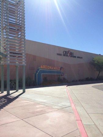 Ramada Tempe/At Arizona Mills Mall: すぐ近くのアリゾナミルズモール