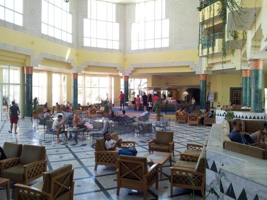 El Mouradi El Menzah : Main hall