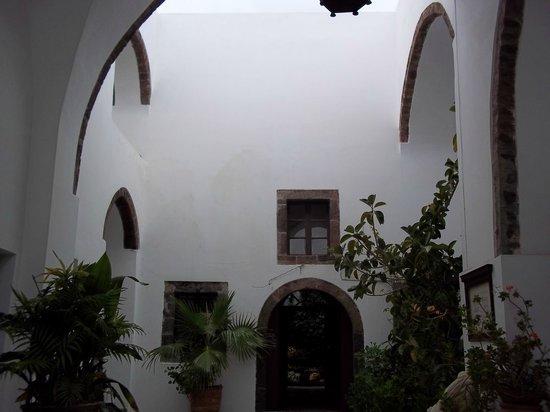 Megaro Gyzi Museum : Internal courtyard