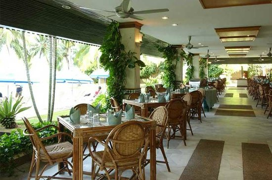 The Regency Tanjung Tuan Beach Resort: Api-Api Dining Terrace