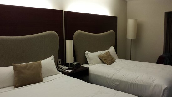 Crowne Plaza Auckland : Room with 2 Double Beds