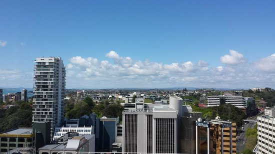 Crowne Plaza Auckland: East Facing 3