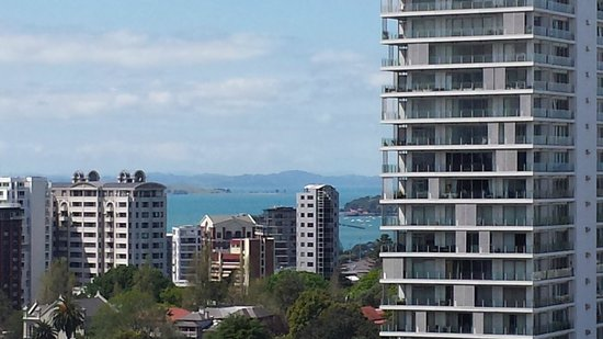 Crowne Plaza Auckland: East facing 2