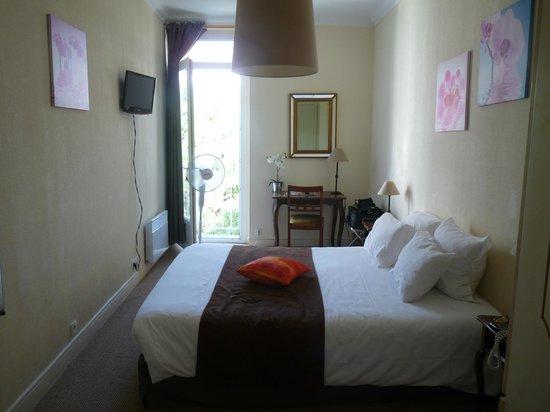 Le Grand Hotel de la Plage - Royan : La chambre