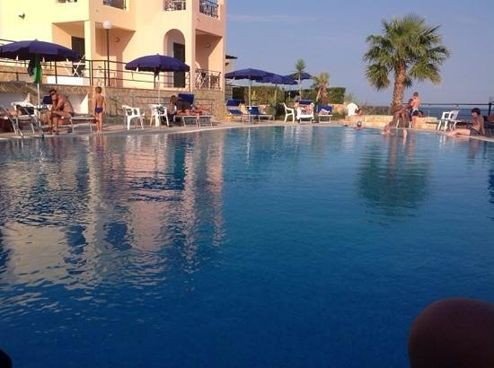 Hotel Alize : piscina
