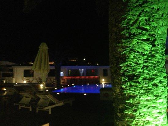 Aegeon Hotel: Hotel Aegeon - Pool at night
