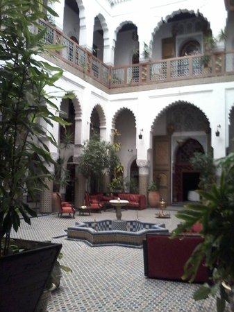 RIAD EL GHALIA : La hall