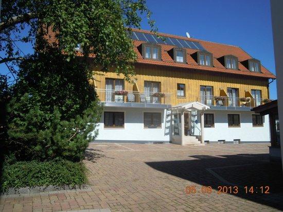 Hotel Fleischmann: Zimmeransicht, Hinterhof