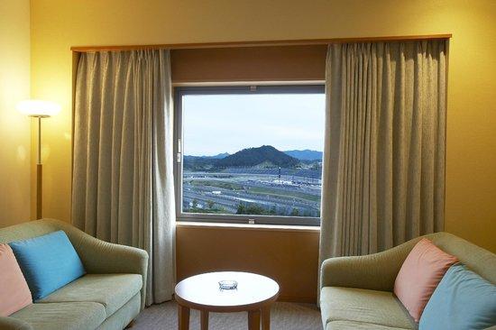 Hotel Twin Ring : お部屋からサーキットが一望できます