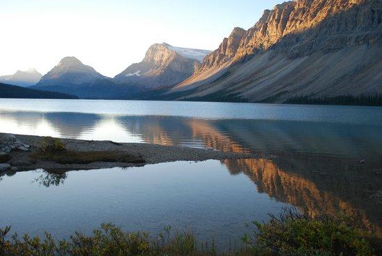 Num-Ti-Jah Lodge: Bow Lake