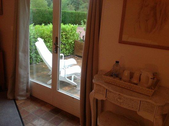 Maison D'hotes Lagatine: Entry & Terrace