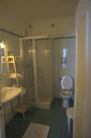 Hotel Scandola: Salle de bain