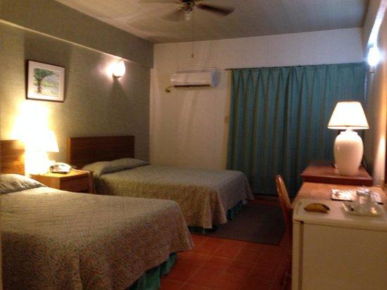 Joy Hotel : 日系人経営のホテル