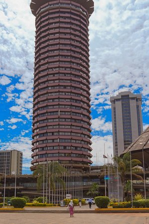 Half-Day Walking Tour: Nairobi Experience: Kenyatta Convention Centre