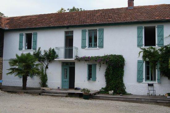 The Barns Dans Les Pyrénées : rear