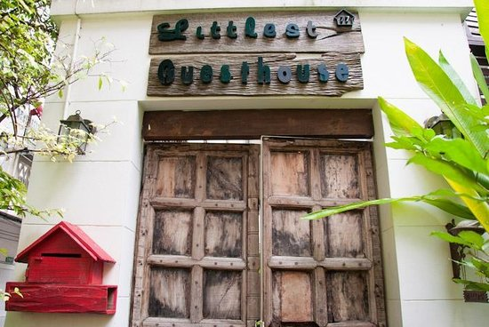 Littlest Guesthouse : Entrance to the guesthouse