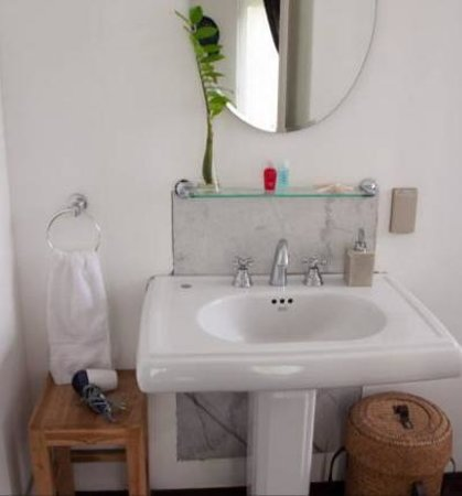 Littlest Guesthouse : Bathroom