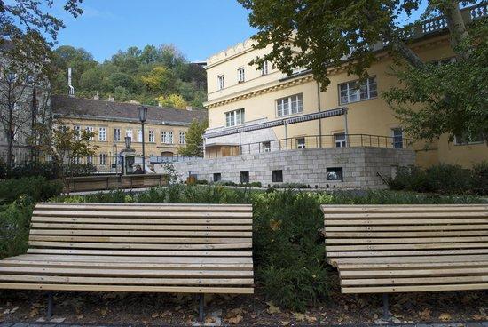 Lukacs Baths: Gardens