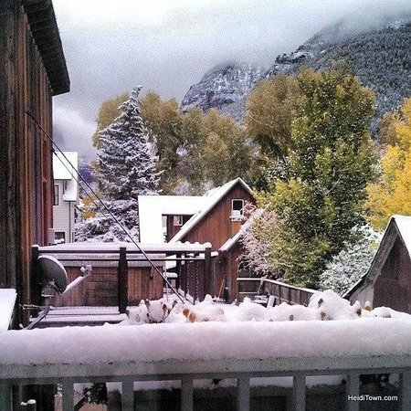 Aspen Street Inn: The view from my patio after a fresh snow.