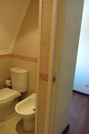Pensao Avenida: Bathroom