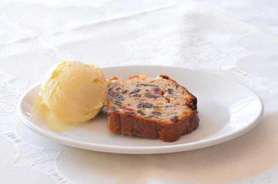 Indigo - Fine Indian Dining : Home made Fruit Cake with ice cream (KEKS)