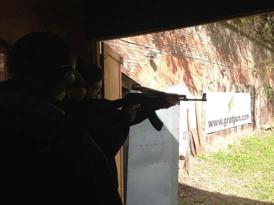 GrotGun - Shooting Range - Strzelnica Kraków