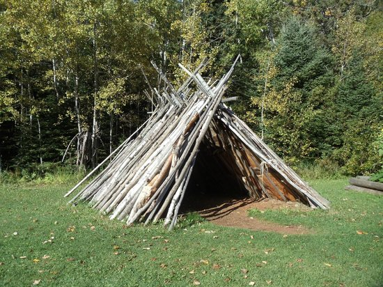 Grand Portage National Monument: Ojibwa dwelling