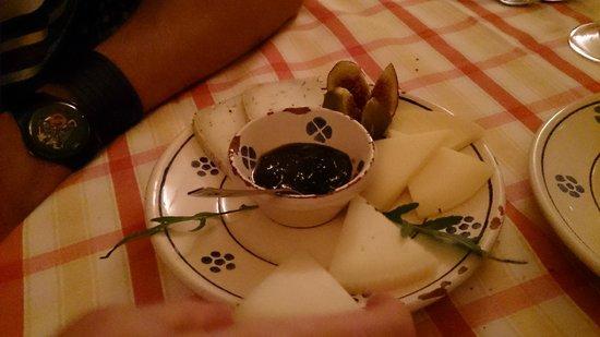 Fulana : Misto di formaggi con marmellata