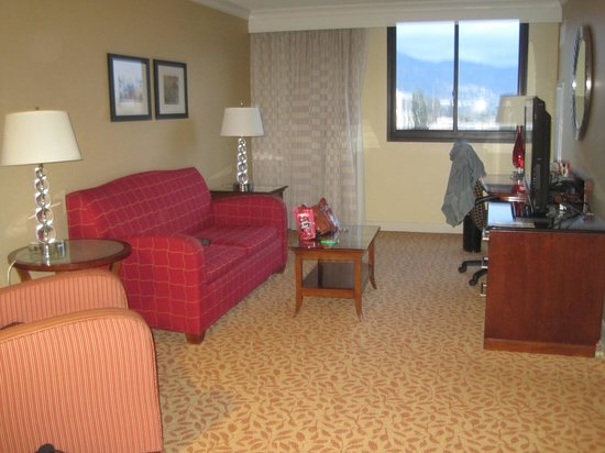 Los Angeles Marriott Burbank Airport: our suite