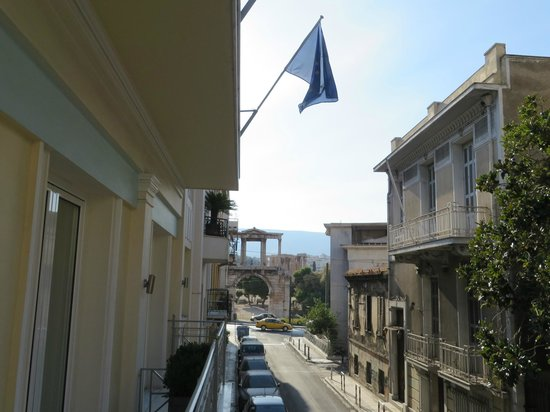 AVA Hotel Athens: View from the balcony - Hadrian's Arch