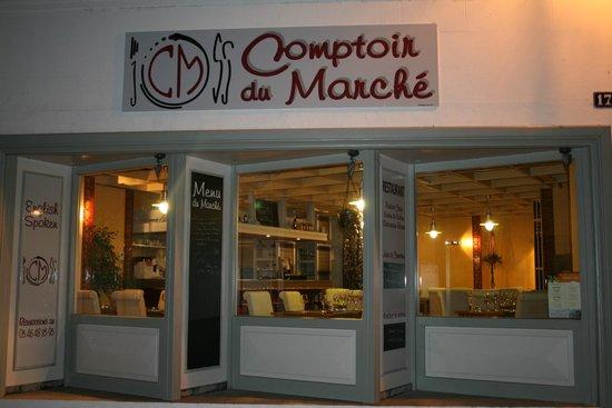 Jonzac, Frankrig: comptoir