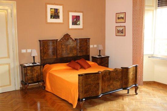 """B&B Rome Charming House: """"Ettore e Andromaca"""" la camera più grande: 26mq"""