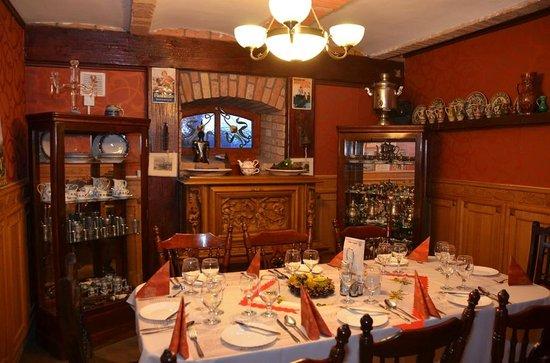 Nyilas Inn: Restaurant