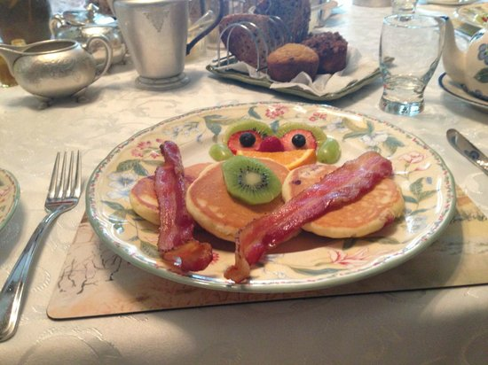 Greystone Bed & Breakfast: lovely breakfast