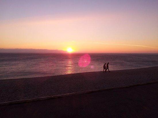 Chesil Family Holiday Park: Sunset on Chesil Beach