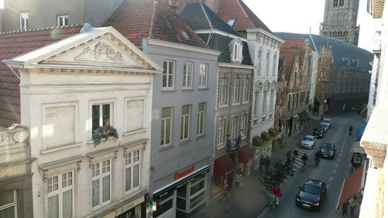 Hotel Bourgoensch Hof : view of the street from our window
