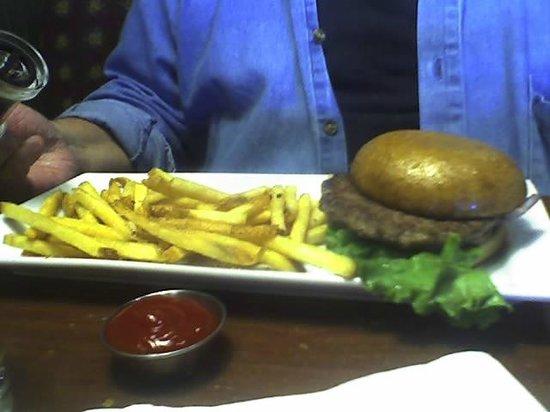 Ruby Tuesdays: Classic Burger