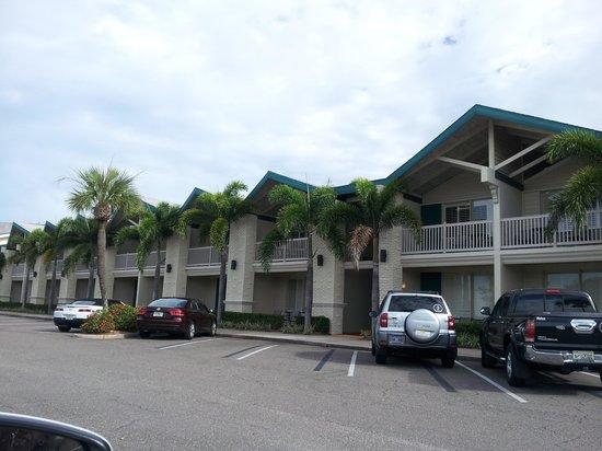 BEST WESTERN PLUS Yacht Harbor Inn: parcheggio