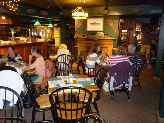 Broad Arrow Tavern: Casual dining area