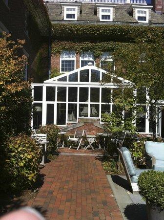 Grace Vanderbilt: Patio & Conservatory