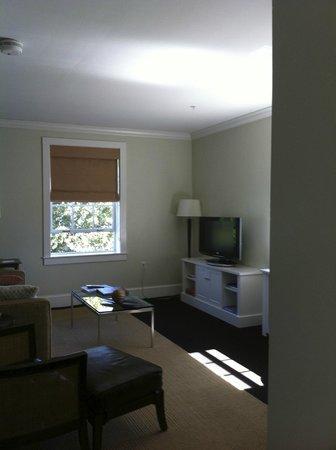 Grace Vanderbilt: Suite sitting area