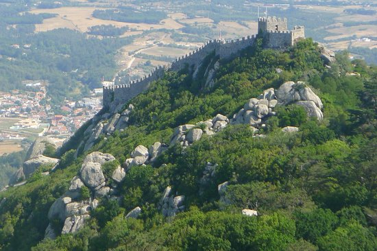 Lisbon Stories: Castelo dos Mouros Castle of the Moors