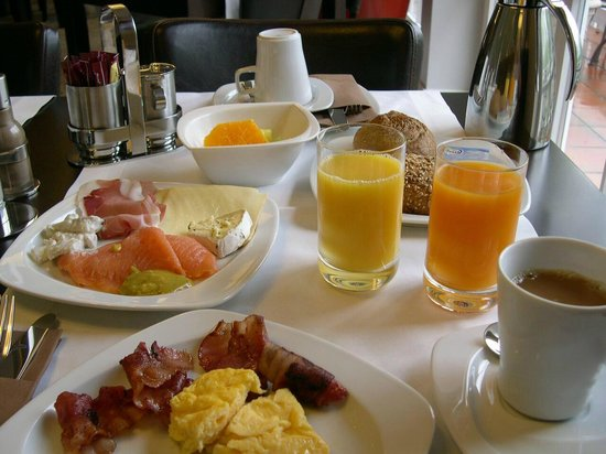 Hotel Garni Amethyst: Frühstück