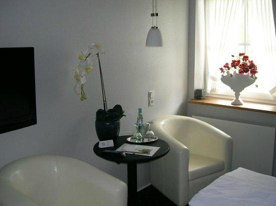 Hotel Garni Amethyst: Zimmer