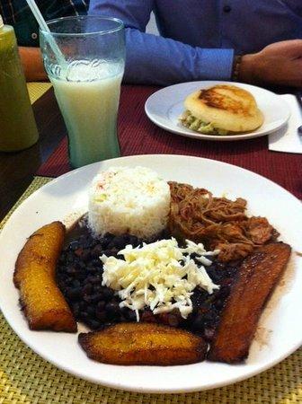 Restaurante El Guero: Pabellon Criollo