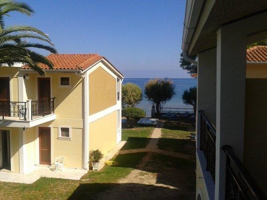 Iliessa Beach Hotel: uitzichtvanaf balkon zeezijzicht