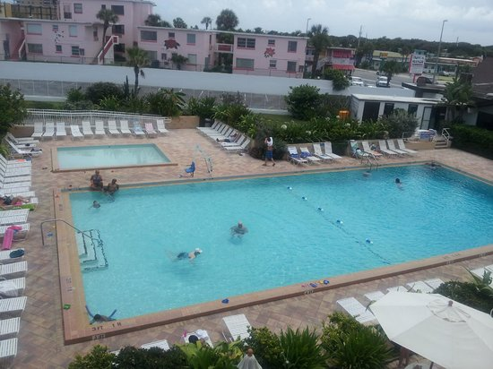 Best Western Aku Tiki Inn: piscina