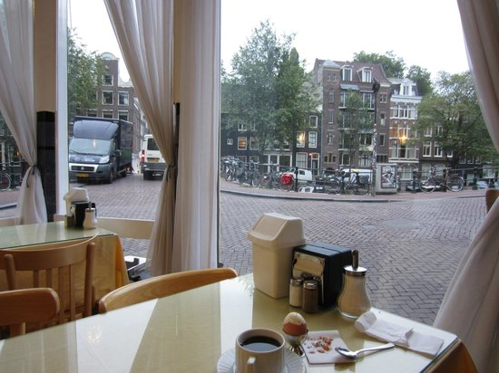 Amsterdam Wiechmann Hotel: view from the breakfast room