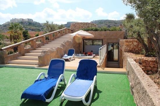 db Seabank Resort + Spa: Caverna suite terrace and hot tub